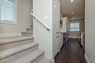 """Photo 11: 17 1968 N PARALLEL Road in Abbotsford: Abbotsford East Townhouse for sale in """"Parallel North"""" : MLS®# R2173432"""