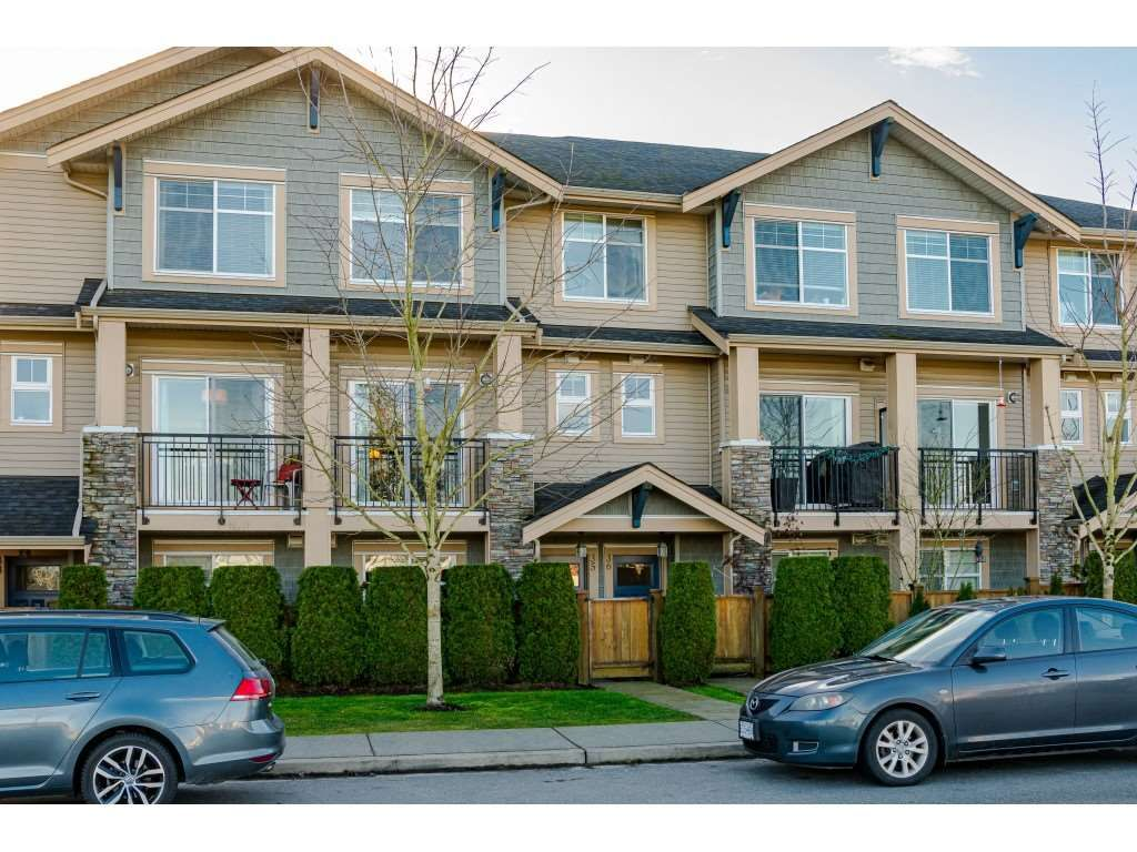 "Main Photo: 35 20966 77A Avenue in Langley: Willoughby Heights Townhouse for sale in ""NATURE'S WALK"" : MLS®# R2531639"