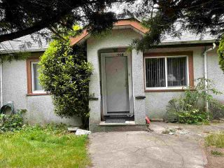 """Photo 5: 918 TWENTIETH Street in New Westminster: Connaught Heights House for sale in """"Connaught Heights"""" : MLS®# R2589843"""