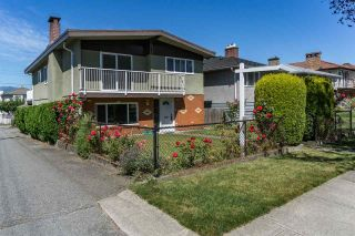 """Photo 1: 3305 E 25TH Avenue in Vancouver: Renfrew Heights House for sale in """"RENFREW HEIGHTS"""" (Vancouver East)  : MLS®# R2097211"""