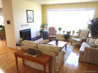 Photo 4: 1053 Eaglecrest Dr in QUALICUM BEACH: PQ Qualicum Beach House for sale (Parksville/Qualicum)  : MLS®# 572391