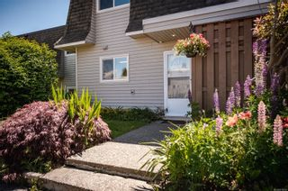 Photo 2: 16 270 Evergreen Rd in : CR Campbell River Central Row/Townhouse for sale (Campbell River)  : MLS®# 878059