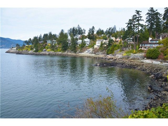 Main Photo: 5960 MARINE Drive in West Vancouver: Eagleridge House for sale : MLS®# V998567