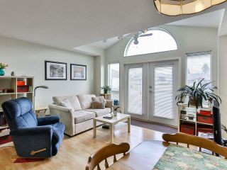 Photo 3: 108 264 McVickers St in PARKSVILLE: PQ Parksville Row/Townhouse for sale (Parksville/Qualicum)  : MLS®# 834154