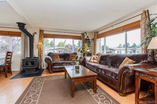 Photo 4: 18 124 Cooper Rd in VICTORIA: VR Glentana Manufactured Home for sale (View Royal)  : MLS®# 768456