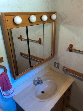"""Photo 9: 43 4116 BROWNING Road in Sechelt: Sechelt District Manufactured Home for sale in """"ROCKLAND WYND MOBILE HOME PARK"""" (Sunshine Coast)  : MLS®# R2580958"""