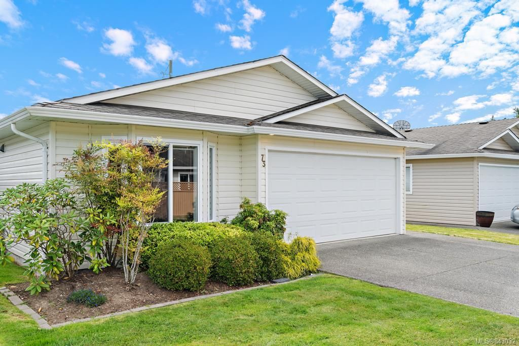 Main Photo: 73 7570 Tetayut Rd in Central Saanich: CS Hawthorne Manufactured Home for sale : MLS®# 843032