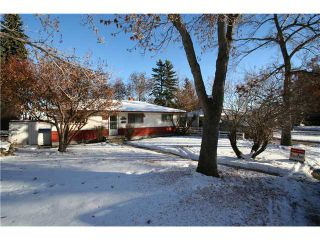 Photo 1: 284 HENDON Drive NW in Calgary: Highwood Residential Detached Single Family for sale : MLS®# C3643975