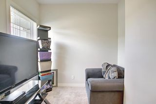 Photo 4: 2103 Jumping Pound Common: Cochrane Row/Townhouse for sale : MLS®# A1119563