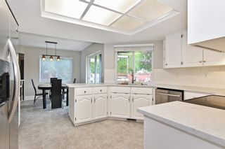 """Photo 8: 2237 MOUNTAIN Drive in Abbotsford: Abbotsford East House for sale in """"Mountain Village"""" : MLS®# R2577486"""
