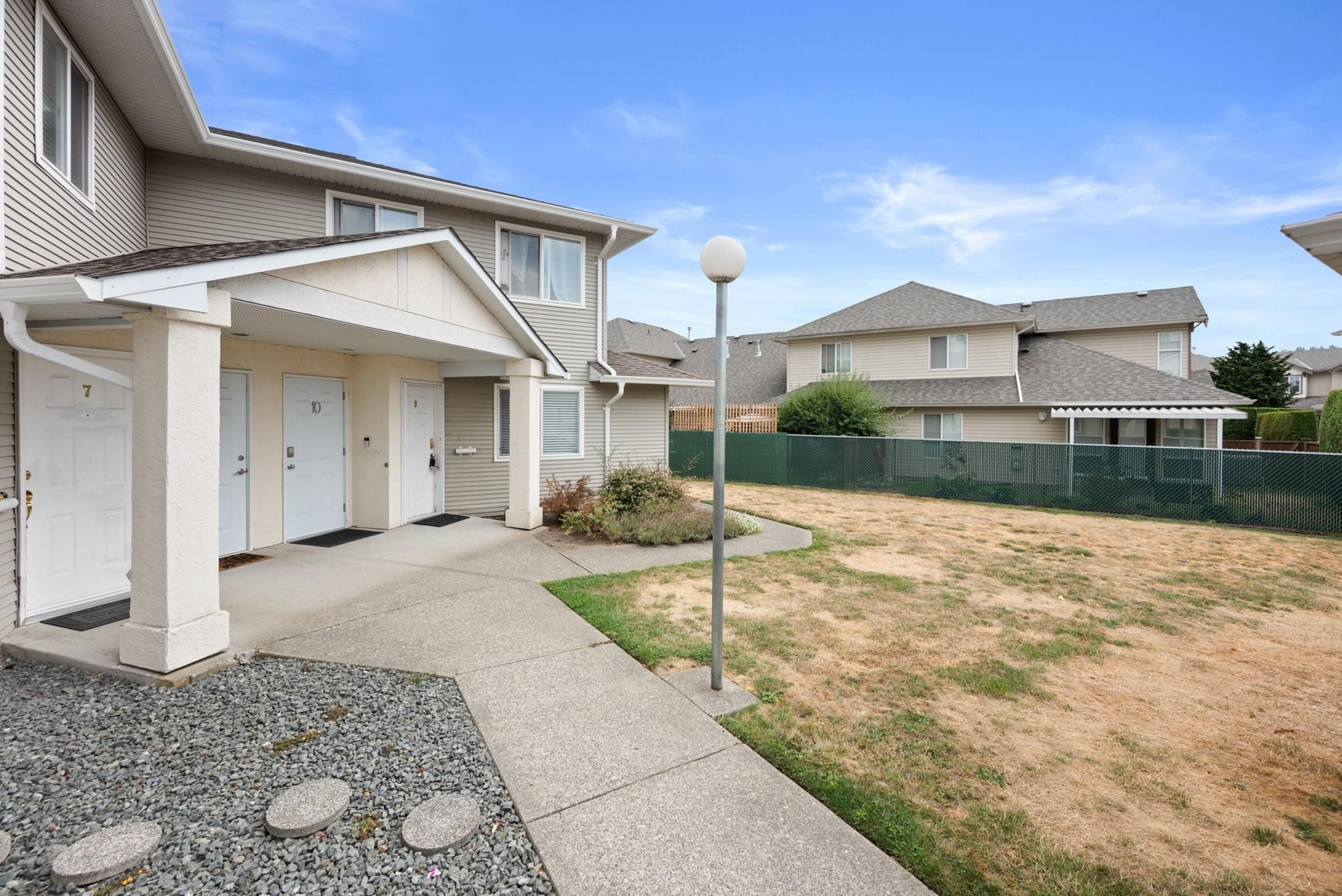 """Main Photo: 9 6480 VEDDER Road in Chilliwack: Sardis East Vedder Rd Townhouse for sale in """"The Willoughby"""" (Sardis)  : MLS®# R2612415"""