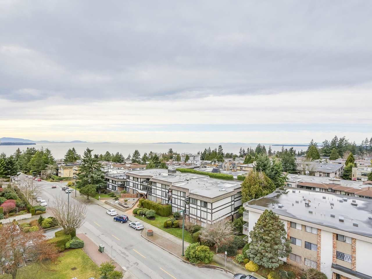 """Photo 12: Photos: 304 1480 FOSTER Street: White Rock Condo for sale in """"White Rock Square 1"""" (South Surrey White Rock)  : MLS®# R2231627"""