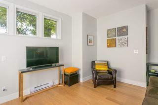 """Photo 7: 103 2588 ALDER Street in Vancouver: Fairview VW Condo for sale in """"BOLLERT PLACE"""" (Vancouver West)  : MLS®# R2304229"""
