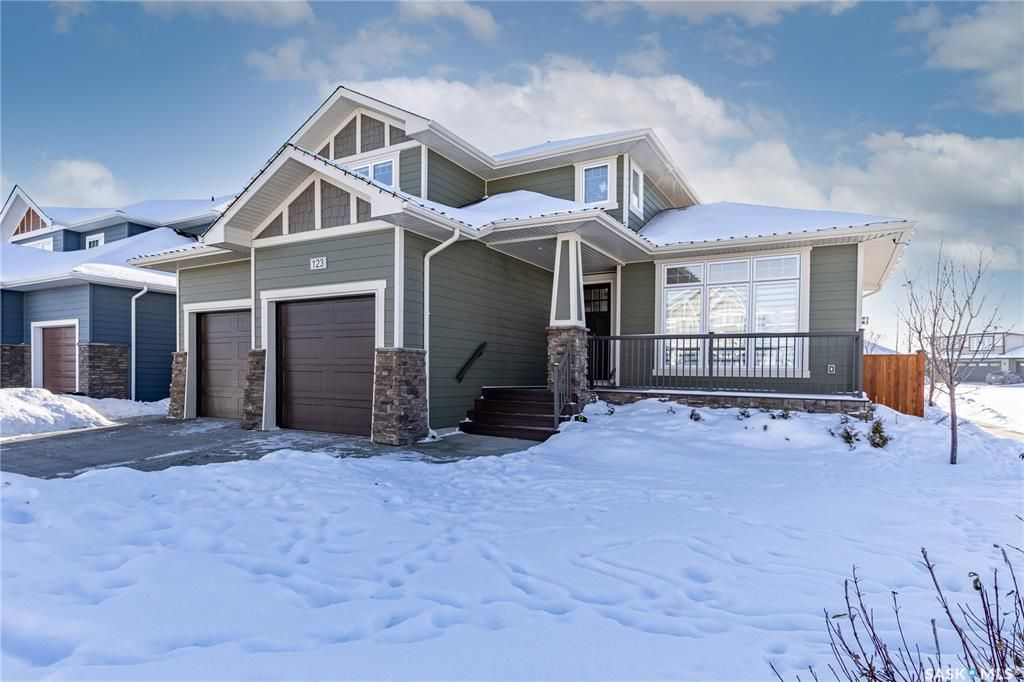 Main Photo: 123 Sinclair Crescent in Saskatoon: Rosewood Residential for sale : MLS®# SK840792