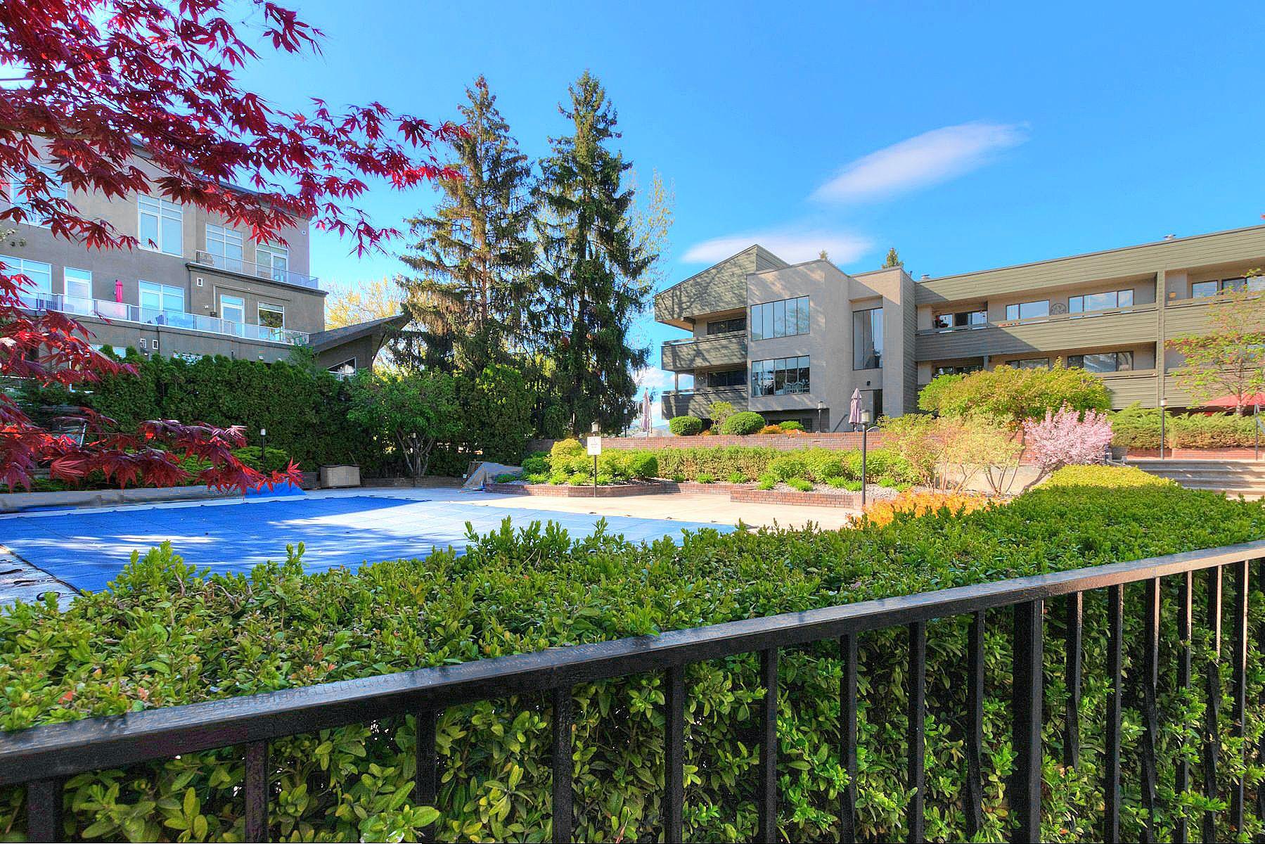 Main Photo: 219 1056 Bernard Avenue in Kelowna: Kelowna North House for sale (Central Okanagan)  : MLS®# 10239718