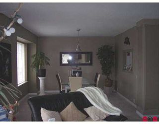 "Photo 5: 31406 UPPER MACLURE Road in Abbotsford: Abbotsford West Townhouse for sale in ""ELWOOD ESTATES"" : MLS®# F2702993"