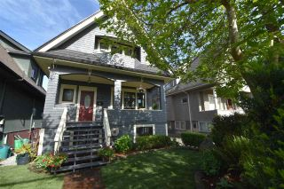 Photo 1: 1224 LAKEWOOD Drive in Vancouver: Grandview Woodland House for sale (Vancouver East)  : MLS®# R2582446