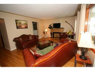 Photo 5: 12 BROWN Crescent NW in CALGARY: Brentwood Calg Residential Detached Single Family for sale (Calgary)  : MLS®# C3524303