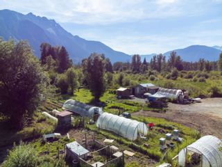 Photo 1: 2162 HIGHWAY 99 in Pemberton: Mount Currie House for sale : MLS®# R2614470