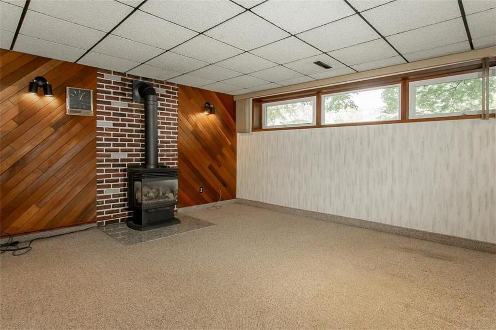 Photo 25: Photos: 128 Sterling Avenue in Winnipeg: Meadowood Residential for sale (2E)  : MLS®# 202011390