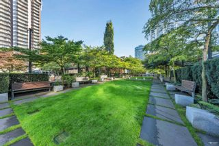 """Photo 14: 702 158 W 13TH Street in North Vancouver: Central Lonsdale Condo for sale in """"Vista Place"""" : MLS®# R2621703"""