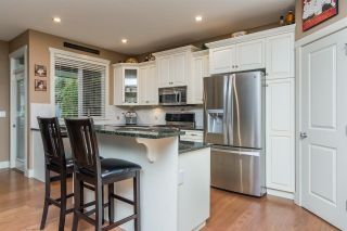 """Photo 5: 17728 68TH Avenue in Surrey: Cloverdale BC House for sale in """"Cloverdale"""" (Cloverdale)  : MLS®# R2252665"""