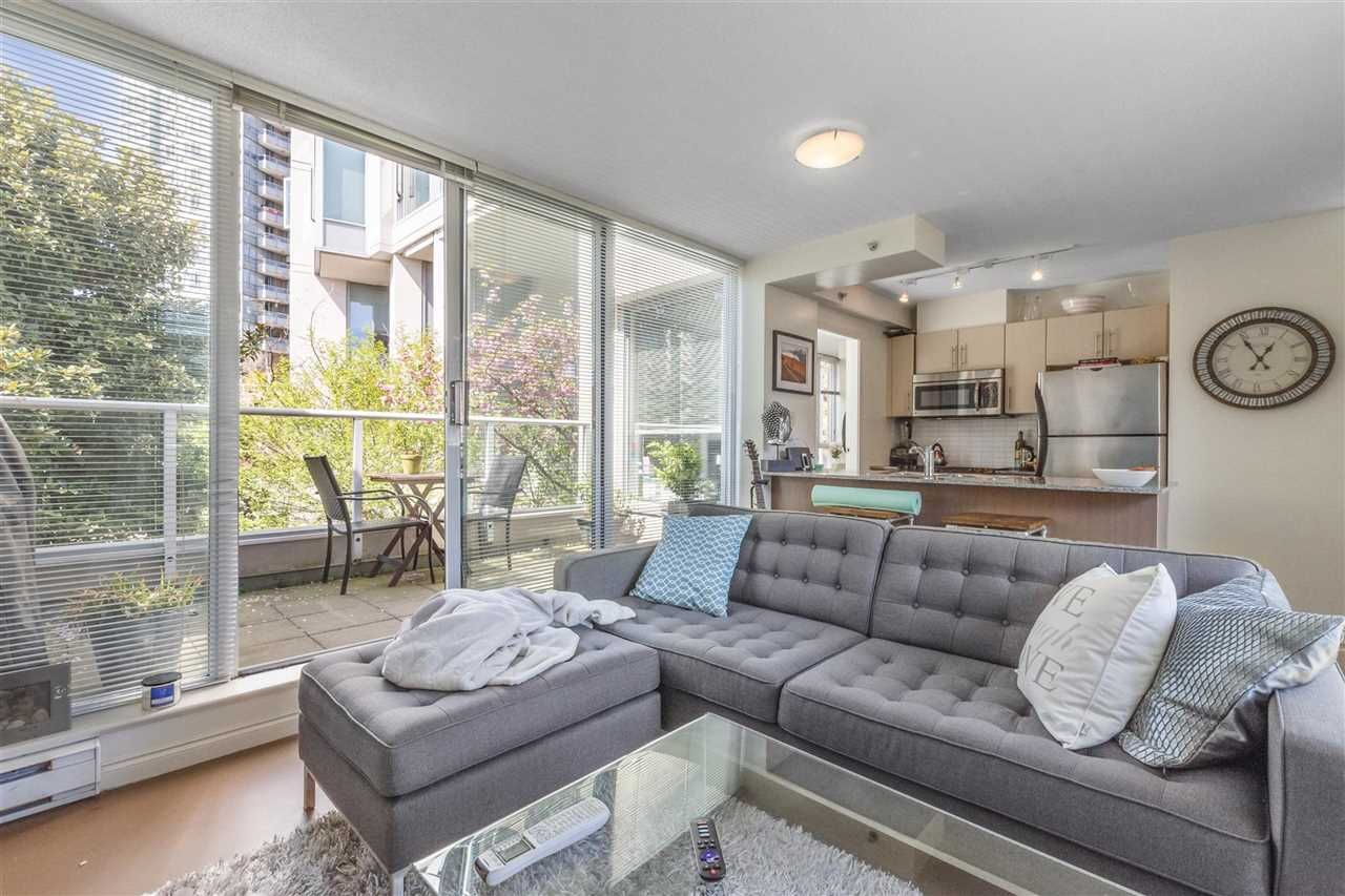 """Main Photo: 255 35 KEEFER Place in Vancouver: Downtown VW Townhouse for sale in """"The Taylor"""" (Vancouver West)  : MLS®# R2572917"""