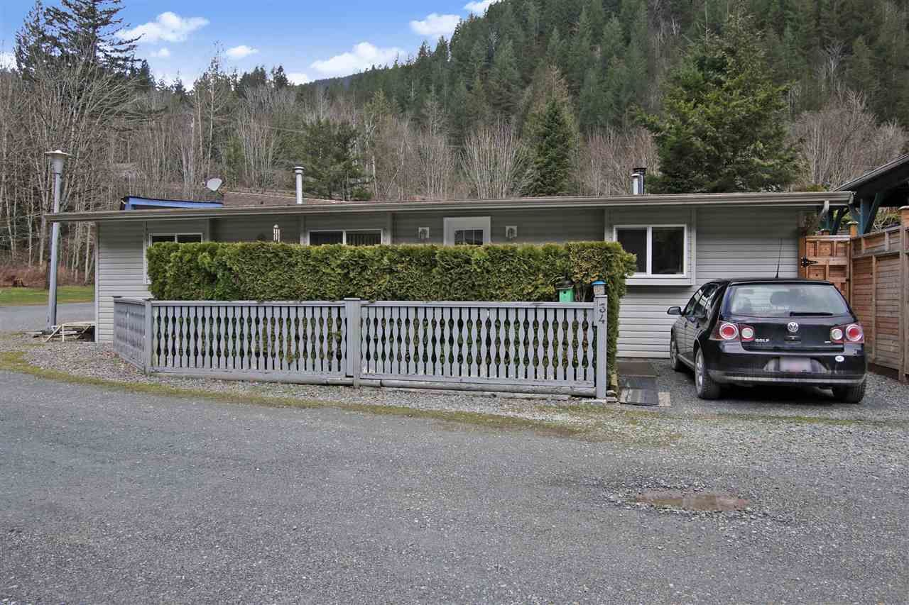"""Main Photo: 34 1650 COLUMBIA VALLEY Road: Columbia Valley Land for sale in """"LEISURE VALLEY"""" (Cultus Lake)  : MLS®# R2542737"""