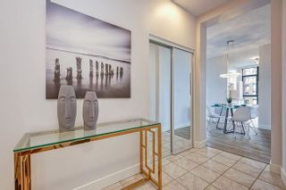Photo 5: 2005 6837 STATION HILL DRIVE in The Claridges: South Slope Condo for sale ()  : MLS®# R2512883
