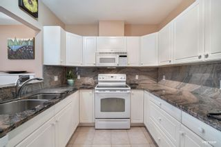 """Photo 4: 304 2271 BELLEVUE Avenue in West Vancouver: Dundarave Condo for sale in """"Rosemont"""" : MLS®# R2618962"""