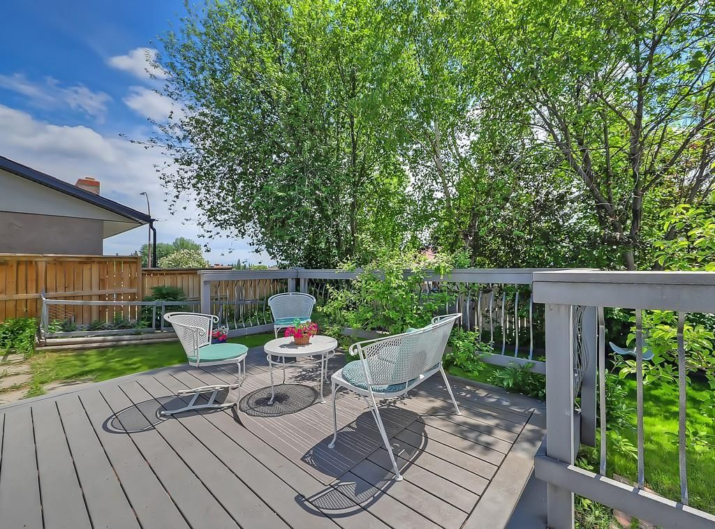 Photo 27: Photos: 7607 68 Avenue NW in Calgary: Silver Springs Detached for sale : MLS®# A1024824