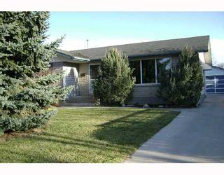Photo 2: 55 BRIDGEWATER Crescent in WINNIPEG: North Kildonan Residential for sale (North East Winnipeg)  : MLS®# 2719431