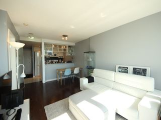 """Photo 4: 2903 928 BEATTY Street in Vancouver: Yaletown Condo for sale in """"MAX 1"""" (Vancouver West)  : MLS®# R2294406"""