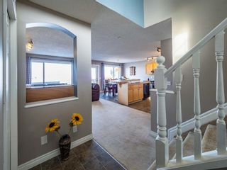 Photo 2: 215 Arbour Stone Place NW in Calgary: Arbour Lake Detached for sale : MLS®# A1074594