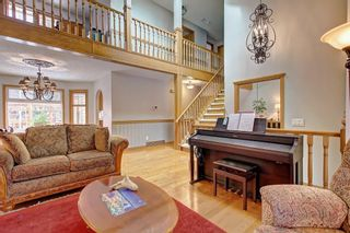 Photo 8: 153 SHAWNEE Court SW in Calgary: Shawnee Slopes Detached for sale : MLS®# C4242330