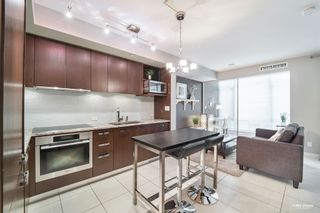"""Photo 4: 301 1028 BARCLAY Street in Vancouver: West End VW Condo for sale in """"PATINA"""" (Vancouver West)  : MLS®# R2601124"""