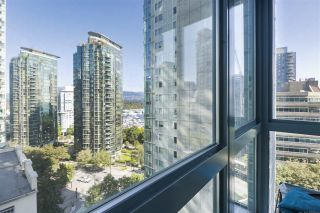 """Photo 11: 1203 1238 MELVILLE Street in Vancouver: Coal Harbour Condo for sale in """"Pointe Claire"""" (Vancouver West)  : MLS®# R2488027"""