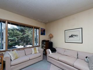 Photo 7: 921 36A Street NW in Calgary: Parkdale House for sale : MLS®# C4118357