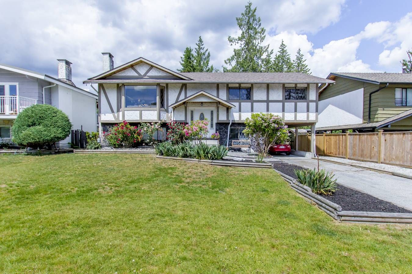 "Main Photo: 837 HEMLOCK Crescent in Port Coquitlam: Lincoln Park PQ House for sale in ""SUN VALLEY"" : MLS®# R2276084"