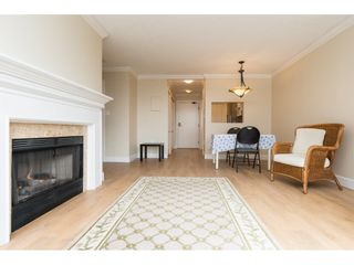 """Photo 8: 410 15111 RUSSELL Avenue: White Rock Condo for sale in """"PACIFIC TERRACE"""" (South Surrey White Rock)  : MLS®# R2152299"""