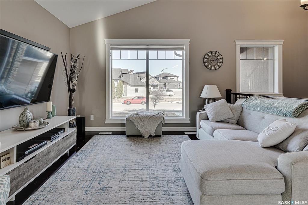 Photo 4: Photos: 602 Bennion Crescent in Saskatoon: Willowgrove Residential for sale : MLS®# SK849166