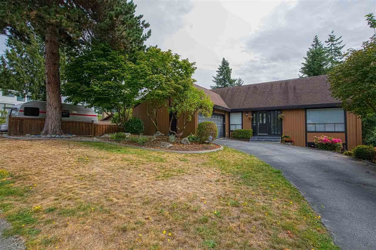 """Photo 34: Photos: 8137 WILTSHIRE BOULEVARD Boulevard in Delta: Nordel House for sale in """"Canterbury Heights"""" (N. Delta)  : MLS®# R2474823"""