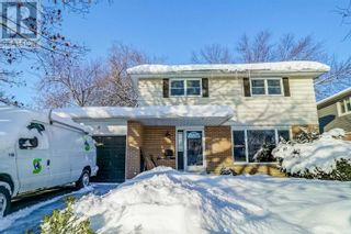 Main Photo: 8 JILLS CRT in Barrie: House for sale : MLS®# S5378781