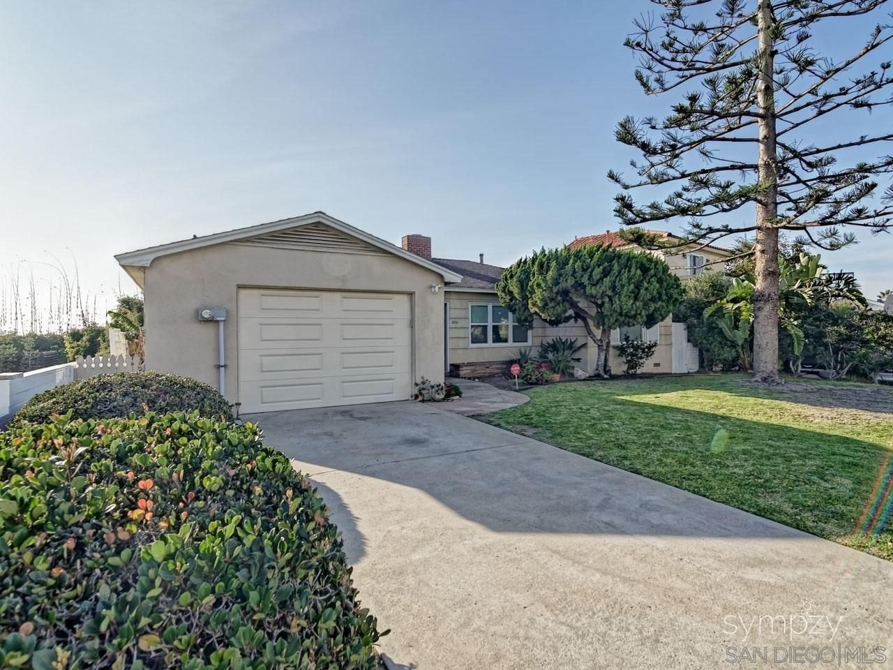 Main Photo: LA JOLLA House for rent : 3 bedrooms : 5720 CHELSEA AVE