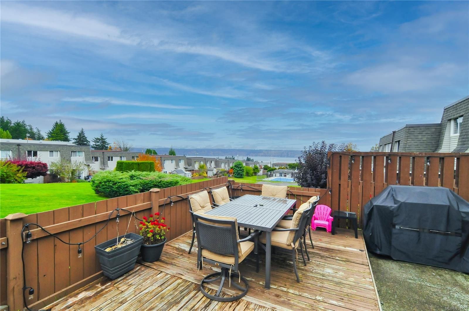 Main Photo: 5 270 Evergreen Rd in : CR Campbell River Central Row/Townhouse for sale (Campbell River)  : MLS®# 859321