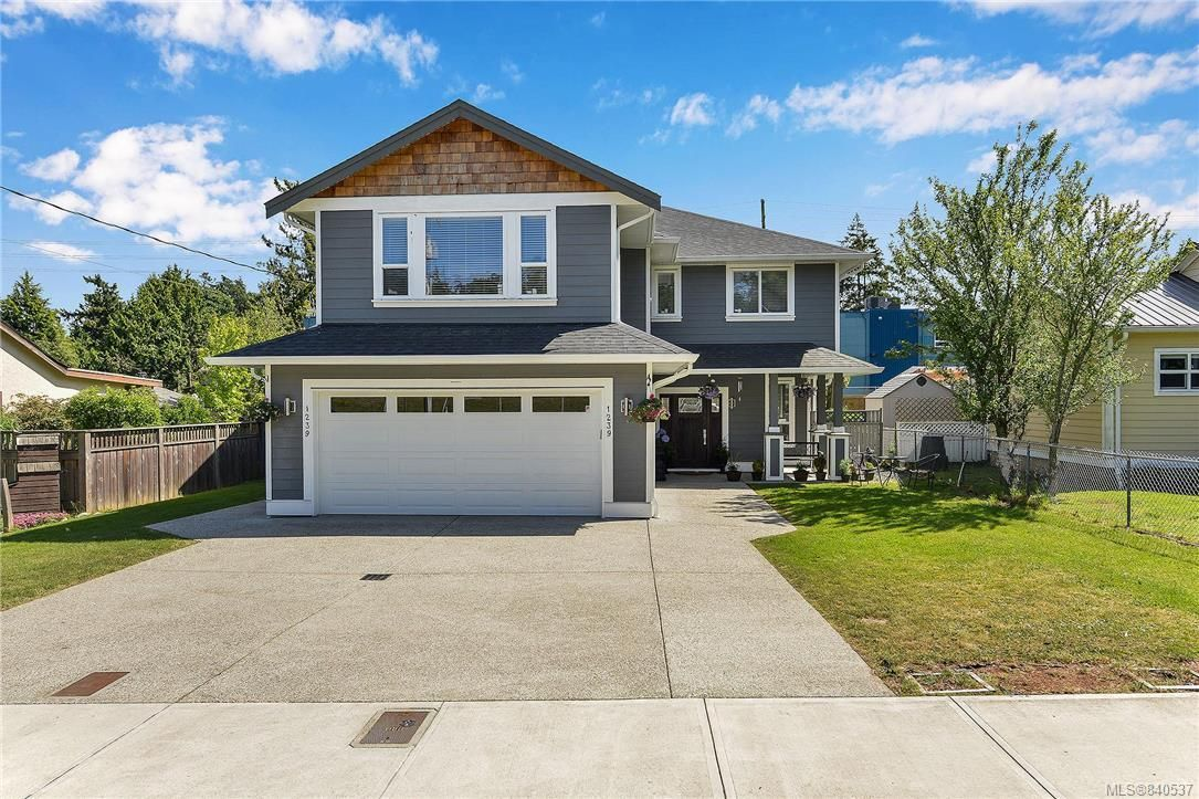 Main Photo: 1239 Colville Rd in Esquimalt: Es Rockheights House for sale : MLS®# 840537