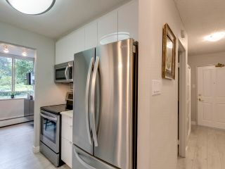 "Photo 6: 108 2008 FULLERTON Avenue in North Vancouver: Pemberton NV Condo for sale in ""Woodcroft Estates"" : MLS®# R2618173"
