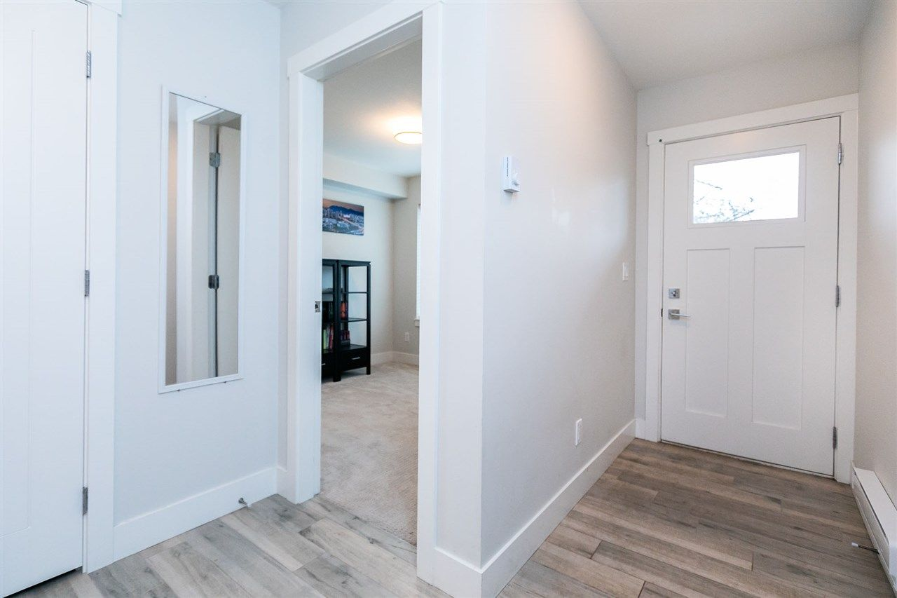 """Photo 3: Photos: 13 16315 23A Avenue in Surrey: Grandview Surrey Townhouse for sale in """"SOHO"""" (South Surrey White Rock)  : MLS®# R2430685"""