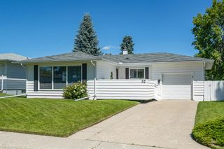 Photo 2: 32 KIRBY Place SW in Calgary: Kingsland Detached for sale : MLS®# A1011201