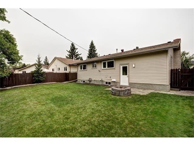 Photo 47: Photos: 448 CEDARPARK Drive SW in Calgary: Cedarbrae House for sale : MLS®# C4084629